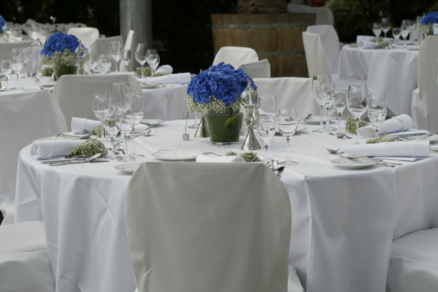 reception dining style
