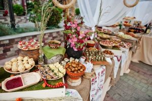 Large wedding grazing platter - ways to create perfect grazing platter for wedding
