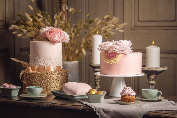 Do you want to know how to choose the perfect wedding cake?