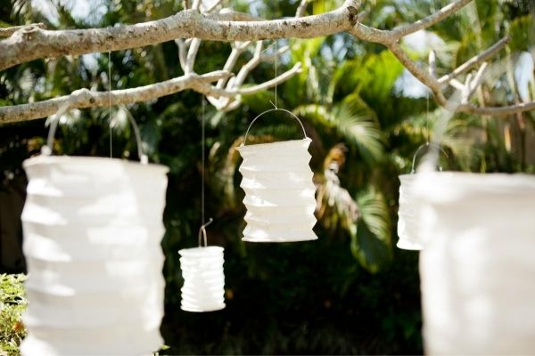 Paper Lanterns - Easy Wedding Decoration Ideas