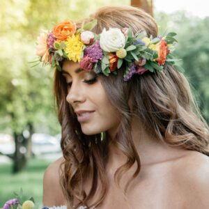 CASUAL WAVES HAIRSTYLE FOR YOUR WEDDING DAY
